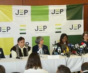 Magistrados de la Justicia Especial de Paz en rueda de prensa.