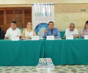 Durante la reunión asistieron diferentes secretarios del Distrito y líderes de sector hotelero.