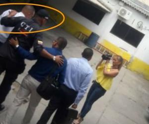 A la izquierda se ve el momento en el que ingresa el Nene Pérez a las instalaciones de la Fiscalía.