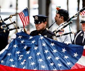 """Homenaje a las víctimas del """"11 de Septiembre""""."""