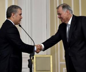 Presidente Duque y Alejandro Ordóñez, durante el acto de posesión de este último, como embajador ante la OEA.