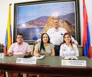 La gobernadora Rosa Cotes junto a la presidenta de la Asamblea, Claudia Patricia Aarón, instalaron el periodo de sesiones.