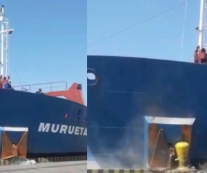 Momento del impacto del buque contra el muelle de Palermo.