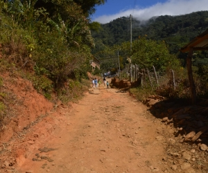 18 kilómetros más de placa huella construirá la Gobernación en la zona entre Minca y La Tagua.
