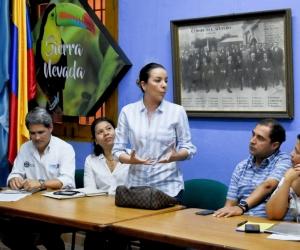 Alcaldes de municipios cafeteros participaron en la firma del convenio.