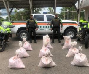 Explosivos encontrados en un camión de encomiendas