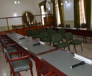 Solo asistieron 5 de los 13 diputados que conforman la Duma.