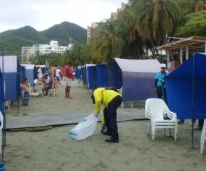 Limpieza de playa de El Rodadero.