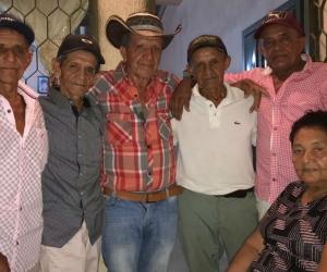 Juan Anaya Caro y sus hermanos.
