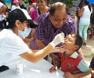 Niños vacunados.