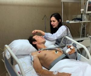 Rigoberto Urán durante su estadía en una clínica de Barcelona.