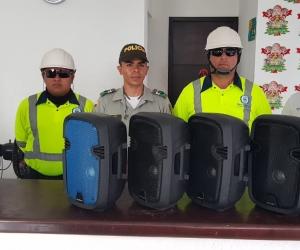 Incautan 5 parlantes ruidosos en El Rodadero