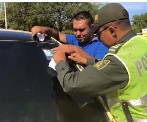 Instalan la aplicación Polis en los taxis de Santa Marta