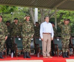 El Ministerio de Defensa colombiano afirmó este sábado que está dispuesto a colaborar con la Justicia para esclarecer los crímenes.