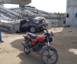 Caída de vigas de puente en construcción en Ciénaga