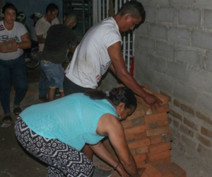 Entrega de ayudas a familias en Nacho Vives.