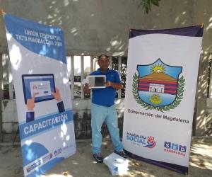 Las tabletas fueron entregadas a instituciones educativas del departamento.