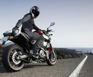 Se implementaran nuevas medidas de seguridad para los motociclistas en Colombia