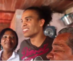 Boxeador colombiano que fue dado en adopción, se reencuentra con su madre.