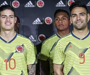 Jugadores de la selección con el nuevo uniforme.