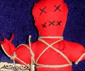 La supuesta bruja de Santa Marta haría al hombre recuperar su pareja, pero todo fue mentira terminó extorsionado.
