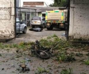 Lugar donde estalló la motocicleta bomba.