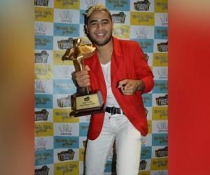 Gustavo Picalúa, ganador del festival Francisco el Hombre