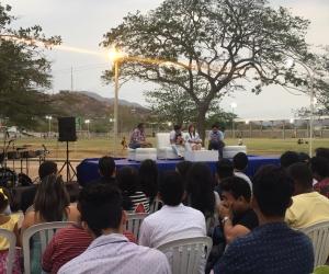 - La plazoleta Las Acacias de la Universidad Del Magdalena fue el punto central para que toda la comunidad disfrutara del conversatorio 'La Lírica Vallenata y La Nueva Ola'.