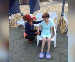 La señora fue encontrada sola en la playa de El Rodadero.