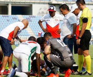 Médicos del Unión ayudaron en la atención del lesionado capitán de Patriotas.