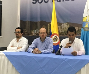 Ricardo López, presidente de la Comisión Regional de Moralización del País; y el alcalde (e) de Santa Marta, Andrés Rugeles.