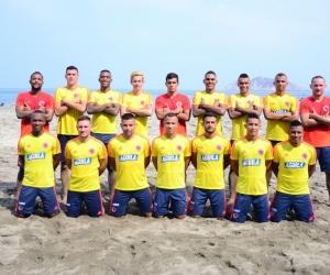 """La selección  inició su proceso de preparación en la playa de """"Los Cocos."""