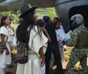 Ejército Nacional entrega 2 toneladas de ayudas a indígenas de la Sierra Nevada de Santa Marta