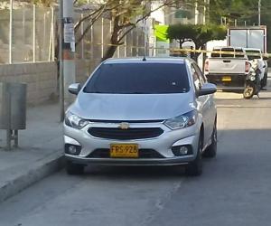 Vehículo en el que se transportaba la persona que fue víctima del atentado a bala.