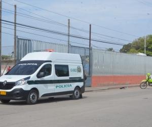 Autoridades llegaron hasta el popular barrio de Santa Marta