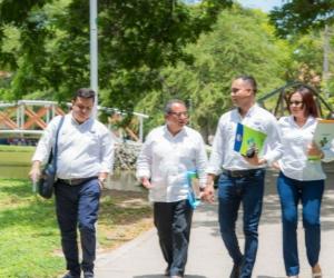 Directivos de la Facultad Ciencias Empresariales y Económicas y los Programas de Turismo de la Institución con evaluadores TedQual.