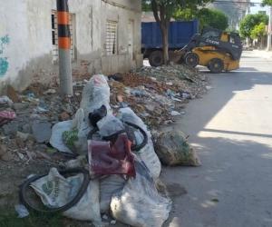 Escombros en calles de Pescaíto.