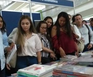 Más de 40.000 personas visitaron en seis días la Feria del Libro de Santa Marta.