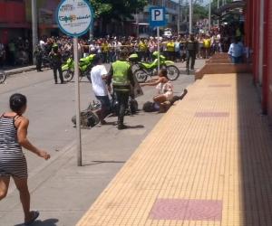 El hecho ocurrió frente al edificio del mercado público.
