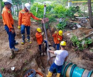 La essmar repara nueva fuga en línea  de aducción del río Manzanares