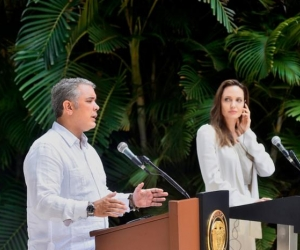 Presidente de Colombia Iván Duque junto a Angelina Jolie