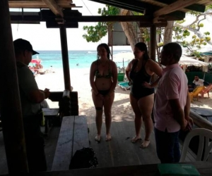 Intentan estafar a turistas americanas en playa de Cartagena