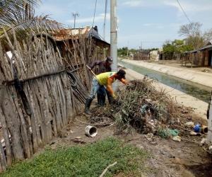 Inician labores de limpieza en canales de Ciénaga
