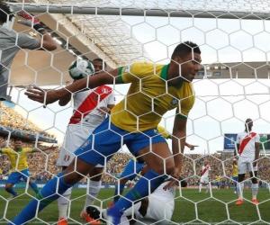Casemiro abrió el camino para Brasil.