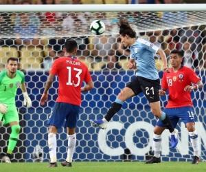 El delantero de la 'celeste' marcó el gol que le dio el liderato del Grupo C a su selección.
