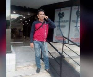 Germán Pérez, conductor encadenado que exige sus derechos laborales