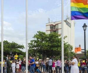 """La jornada comenzó desde muy temprano de este viernes con un acto de reivindicación denominado """"todos a pisar la cebra de la diversidad por los derechos"""", que se desarrolló en el Parque Bolívar."""