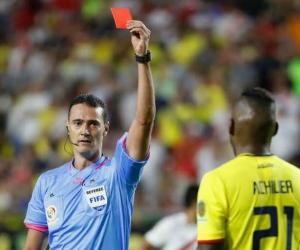 El colombiano dirigió en cuartos de final el Venezuela vs Argentina.