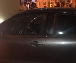 Carro donde se desplazaba la víctima del atentado.