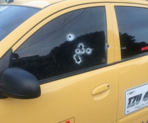 Taxi atacado en Santa Marta.